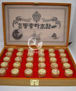 Bên trong hộp viên hồng sâm đông trùng hạ thảo Kanghwa