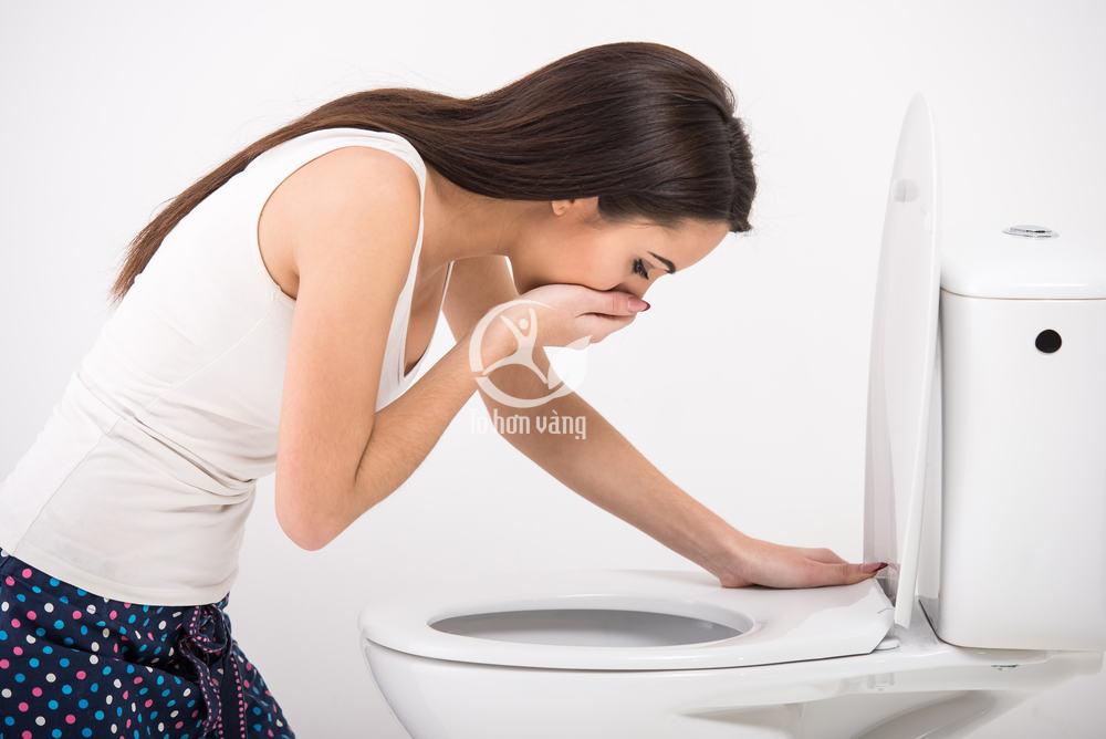 Những người đau dạ dày, viêm loét dạ dày cũng không nên sử dụng nhân sâm đặc biệt là sâm tươi vì nó càng làm cho tình trạng nặng thêm