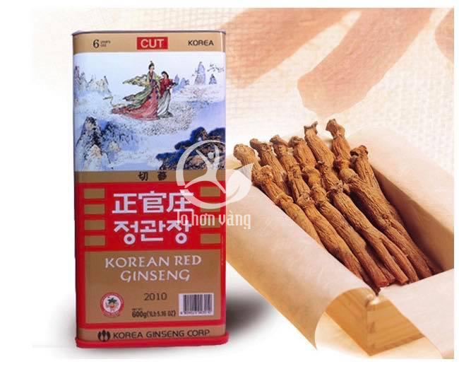 Nguyên liệu chính để sản xuất cao hồng sâm là những củ hồng sâm khô Hàn Quốc 6 năm tuổi được chiết xuất và cô đặc với hàm lượng dinh dưỡng cao