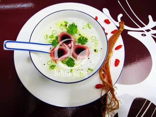 Cháo cao hồng sâm Hàn Quốc là món ăn có giá trị dinh dưỡng cao, có tác dụng tốt trong việc điều trị các chứng bệnh cảm mạo