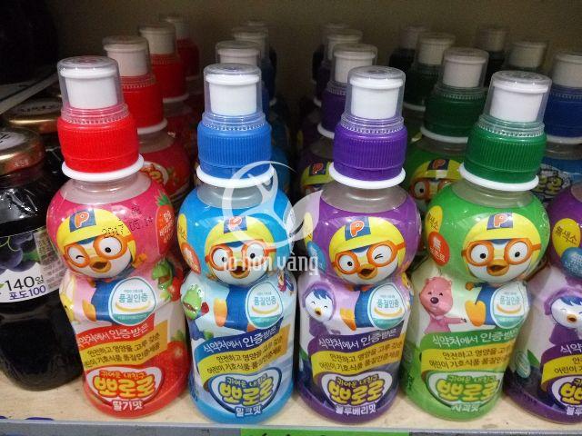 Với thành phần hương trái cây tự nhiên, nước hoa quả Pororo là nước uống thích hợp cho trẻ em