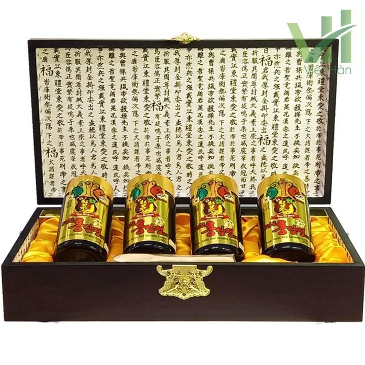 Bên trong hộp sản phẩm cao hồng sâm Kanghwa Hàn Quốc 250 gram x 4 lọ hộp gỗ