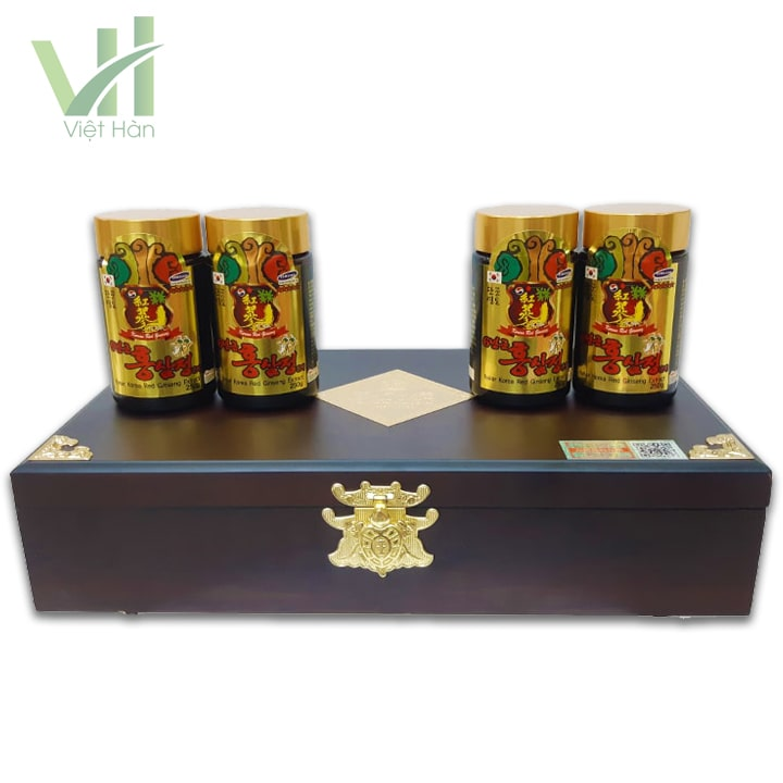 <em>Sản phẩm cao hồng sâm Kanghwa Hàn Quốc 250 gram x 4 lọ hộp gỗ </em>